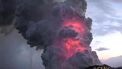 Lightning inside plume of Kilauea volcano eruption in 2008