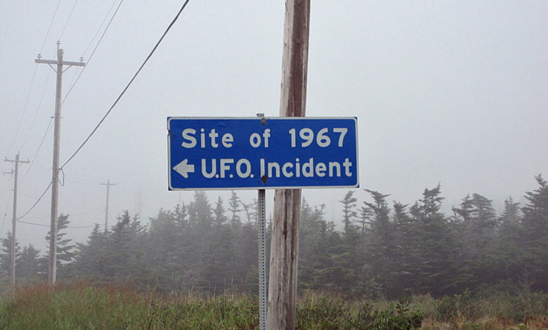 A sign which reads 'Site of 1967 UFO Incident'