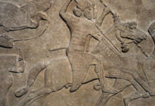 Photo of Time Travel, Aliens, Or Both? Mysterious Handbags Depicted On Ancient Statues