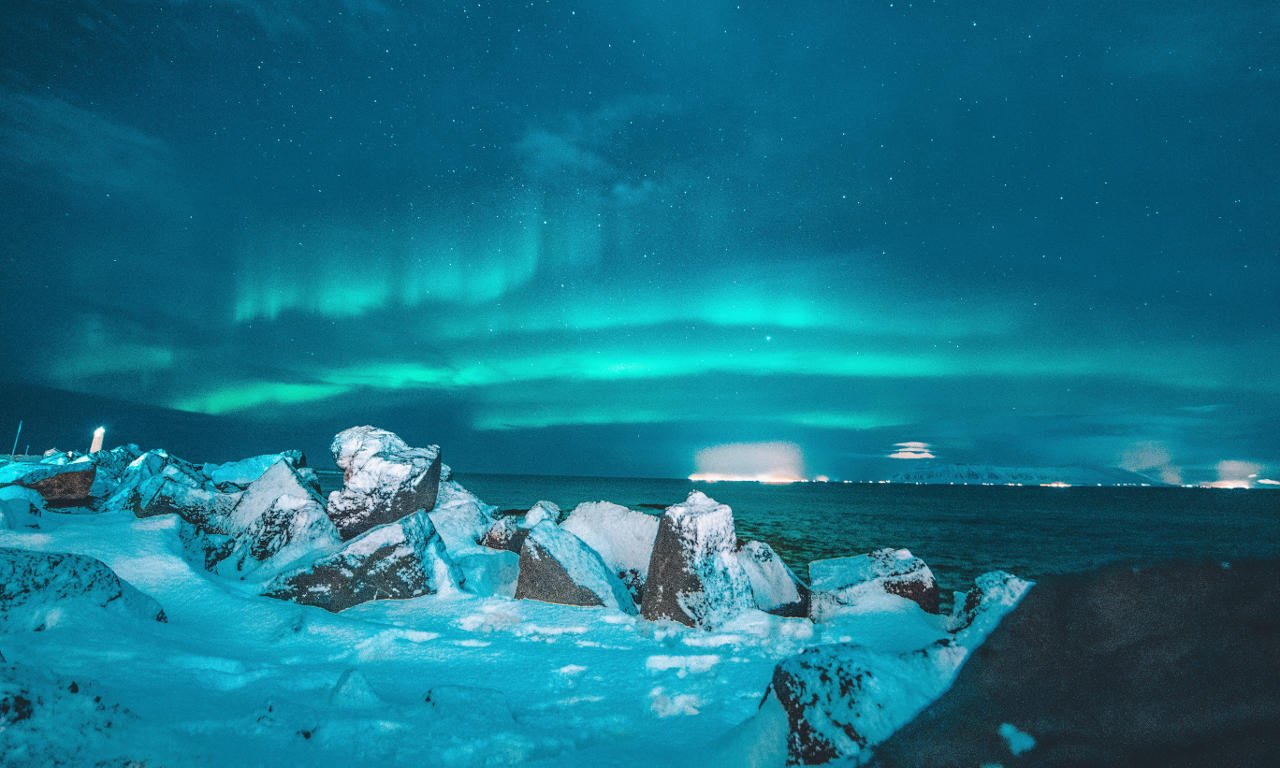 Northern light evening in Iceland