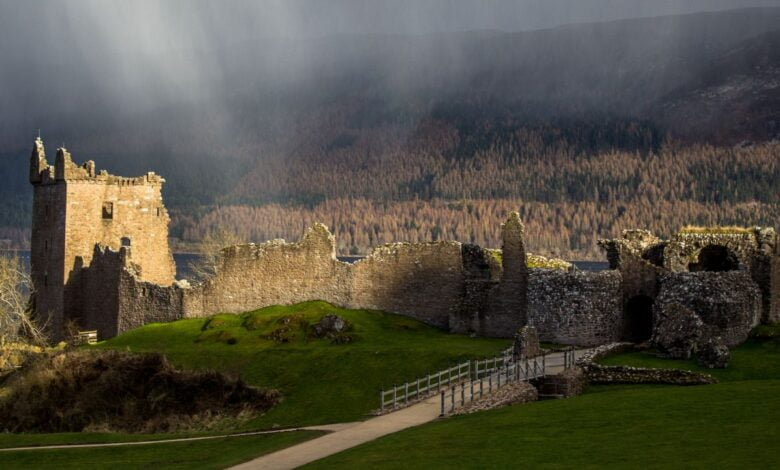 The castle at Loch Ness